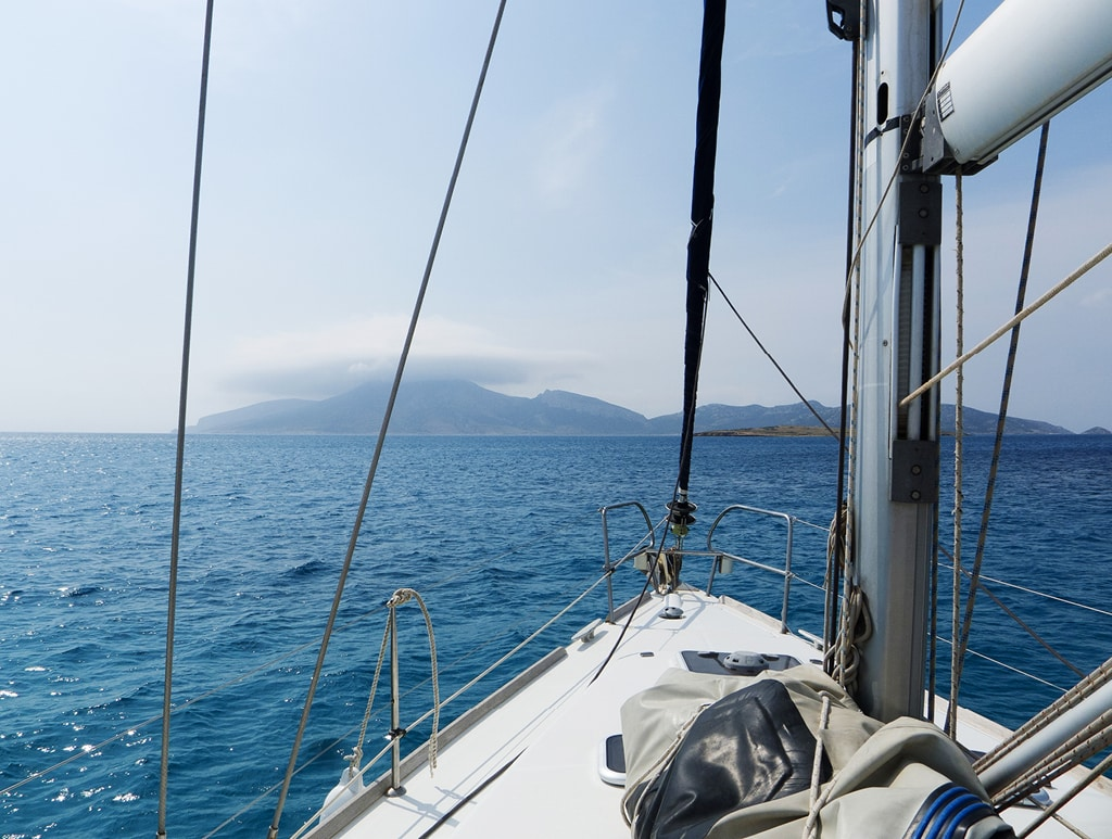 Bearleader No.72 | Sailing in the Cyclades Islands-09