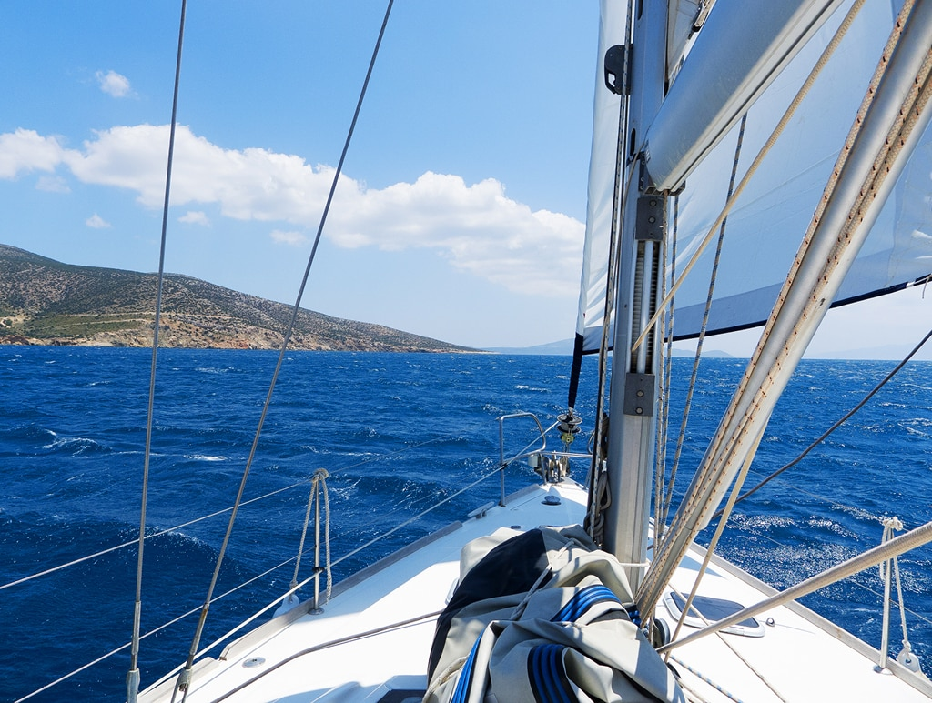Bearleader No.72 | Sailing in the Cyclades Islands-01
